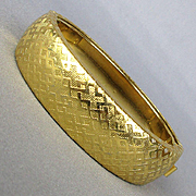 Vintage Gold-tone Hinged Bracelet Ziggy Zaggy Design