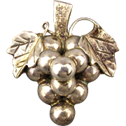 Old Taxco Mexican Sterling Silver GRAPES Pin Pendant Nice Bunch