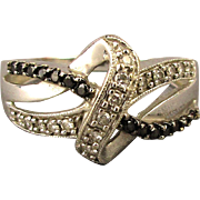 Vintage 10K White Gold Diamond Ring - Great Design