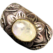 Heavy Vintage Sterling Silver Ring Snowy Quartz Crystal Stone