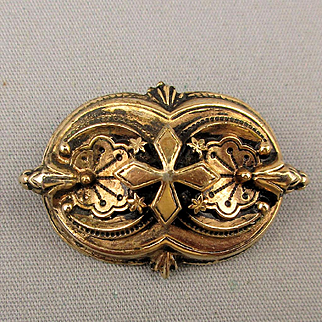 1930s Victorian Style Gilt Pin Brooch Ornate Overlay