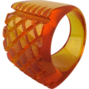 Art Deco Carved Bakelite Applejuice Ring