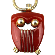 Modernist Crown Trifari Lucite OWL Pendant Necklace