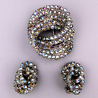 Vintage AB Rhinestone Infinity Circle Pin w/ Earrings Set