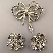 K.J.L. Kenneth Lane Avon Rhinestone BOW Set Pin Earrings Swarovski Crystal