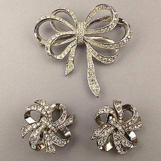 K.J.L. Kenneth Lane Avon Rhinestone BOW Set Pin Earrings Swarovski Crystal