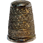 800 Silver Italy thimble embossed flowers