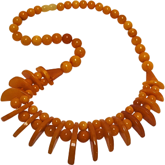 Natural butterscotch Baltic amber necklace Art Deco round and geometric pieces