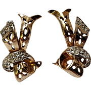 Reja openwork rhinestone ribbon clip earrings