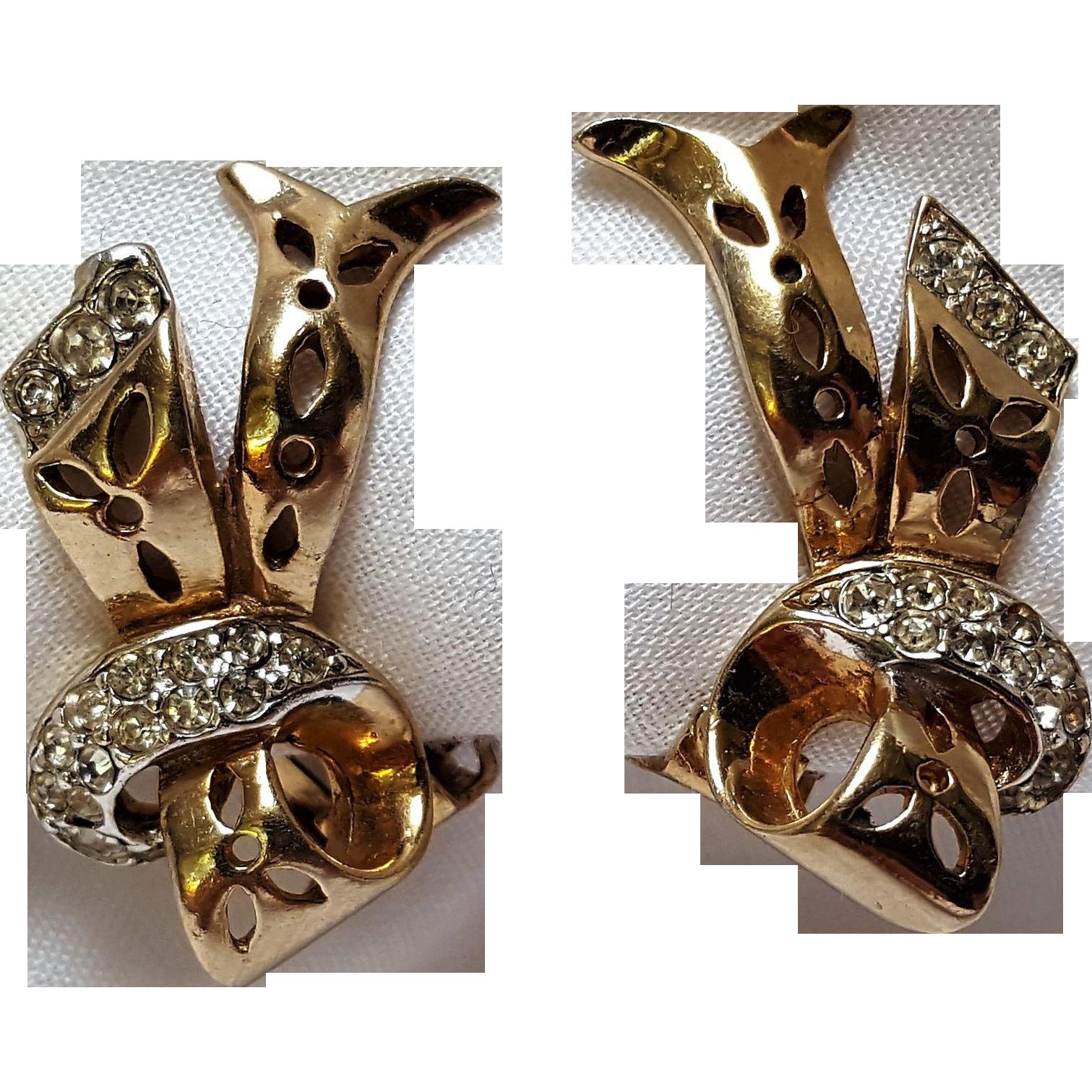 Reja openwork rhinestone ribbon clip earrings