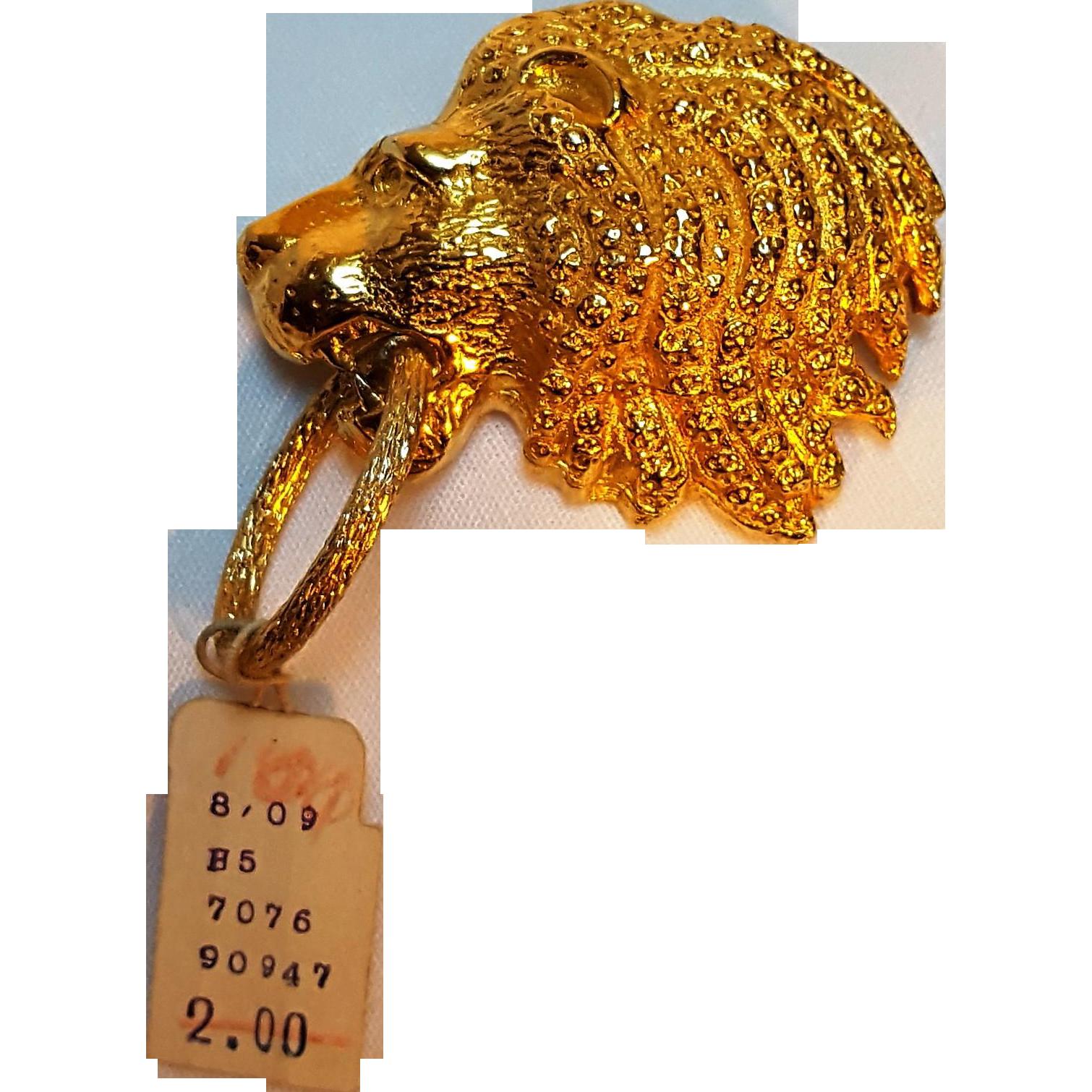 Van S Authentics lion head pin