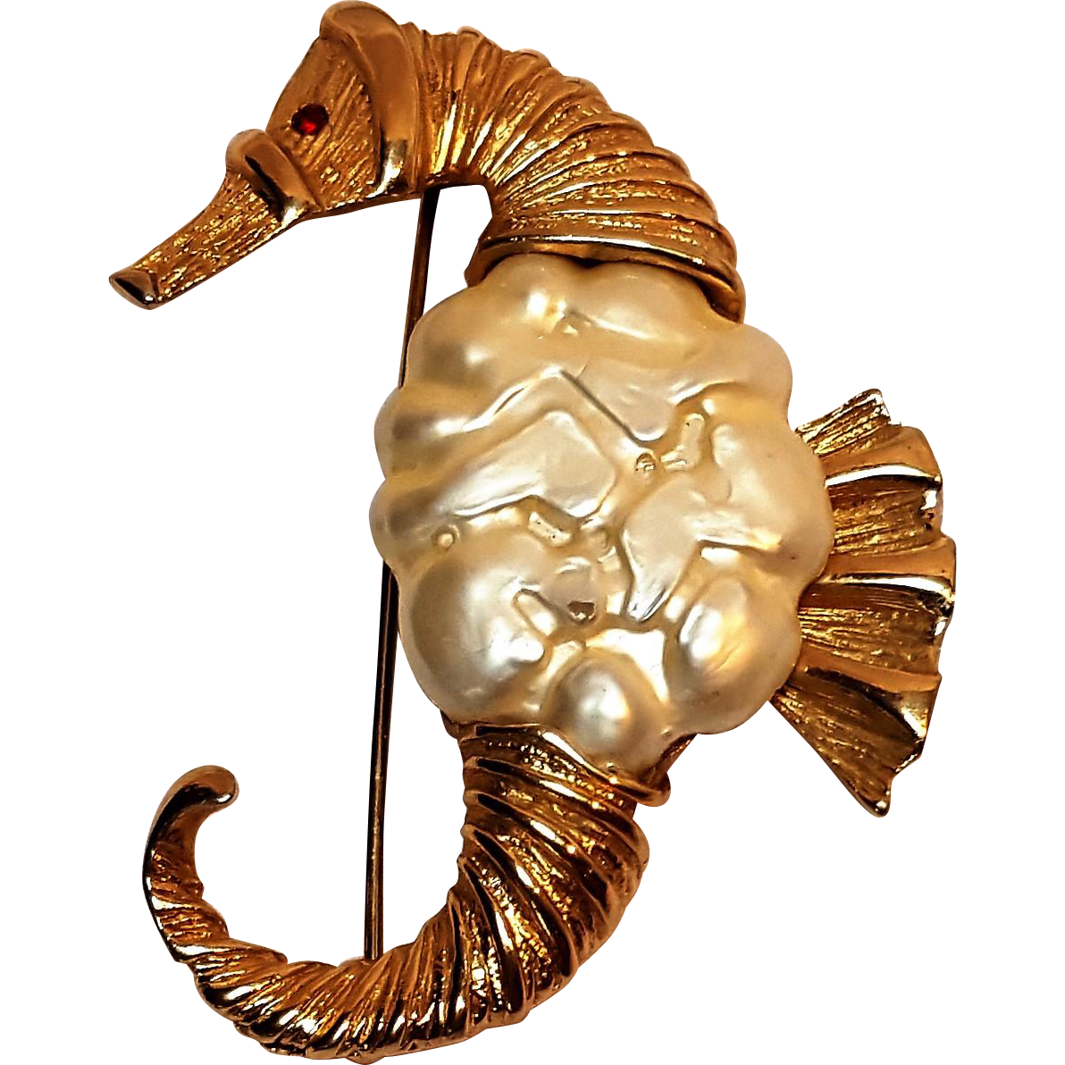 Seahorse pin simulated pearl belly