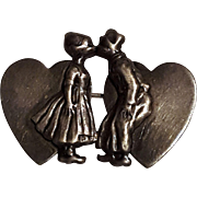 Sterling silver pin hearts kissing Dutch boy girl
