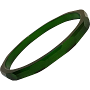 Prystal bakelite bangle green carved