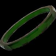 Prystal bakelite bangle green carved