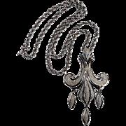 Trifari fleur de lis pendant necklace silver tone
