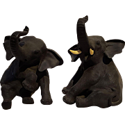 Omori Mitsumoto bronze sitting elephants