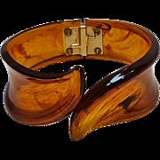 Trifari clamper bracelet root beer plastic