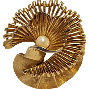 Boucher flower pin cultured pearl