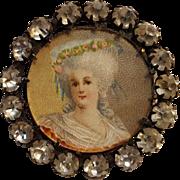 Antique portrait button rhinestone border