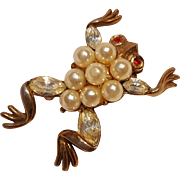 Trifari frog pin simulated pearls 1952 Park Avenue Zoo
