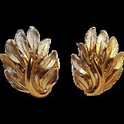 Trifari cufflinks feather leaf flames motif gold tone