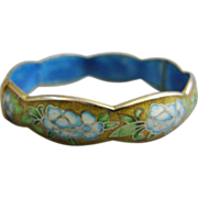 Cloisonné Enamel Scalloped Hinged Bangle Bracelet