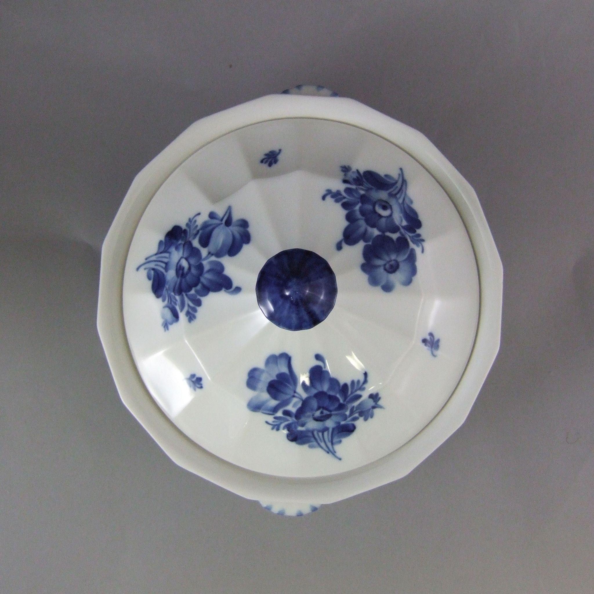 royal copenhagen porcelain blue flowers angular blaue. Black Bedroom Furniture Sets. Home Design Ideas