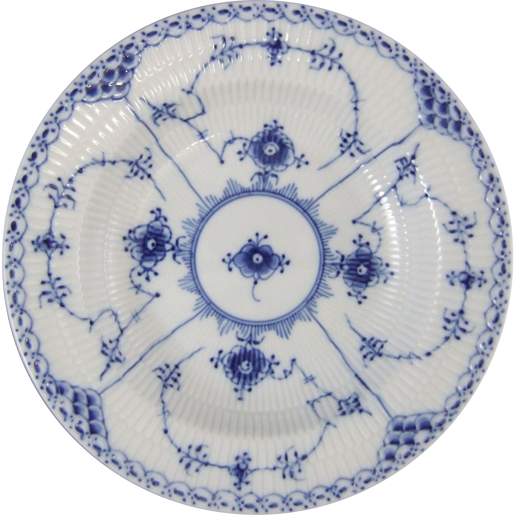 Royal Copenhagen Porcelain Blue Fluted Half Lace 1 102 604 Rim Soup