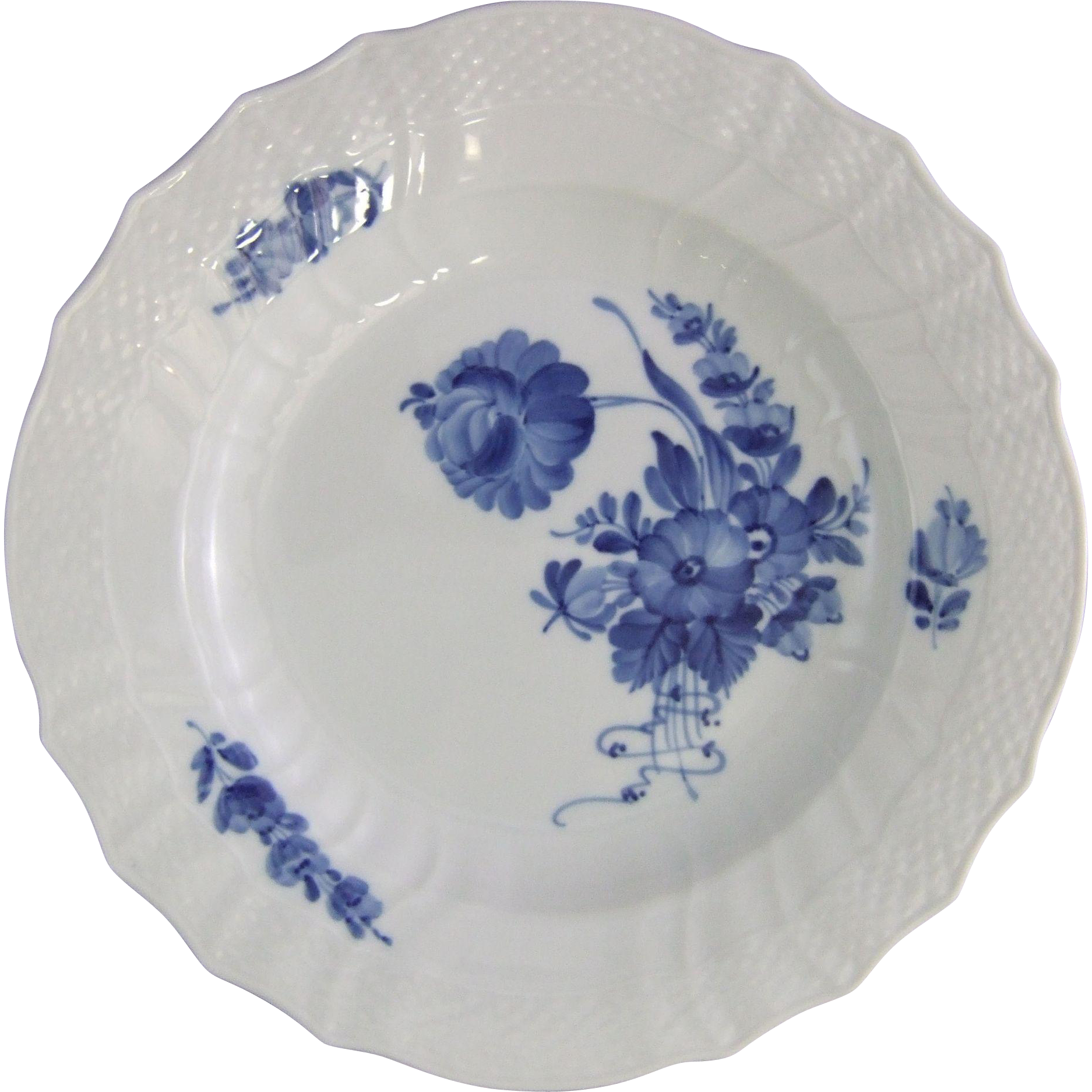 Royal Copenhagen Porcelain Denmark Blue Flowers Curved Dinner Plate 1 106 624