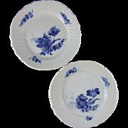 """Royal Copenhagen Porcelain Denmark Blue Flowers Curved 8.66"""" Plate 1 106 621 Set of 2"""