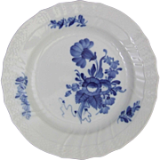 Royal Copenhagen Porcelain Denmark Blue Flowers Curved 1 106 624 Plate