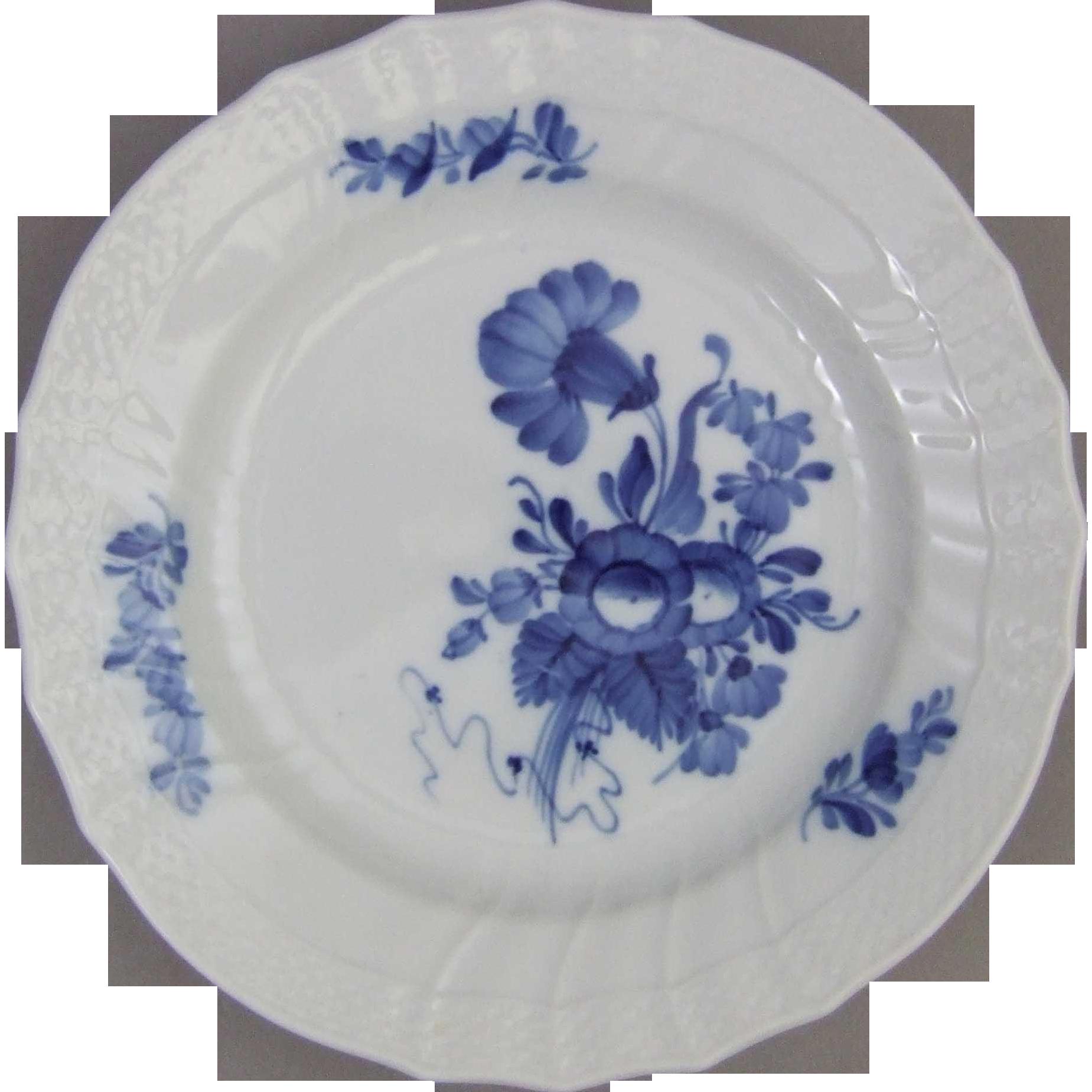 Royal Copenhagen Porcelain Denmark Blue Flowers Curved 1 106 624 Plate
