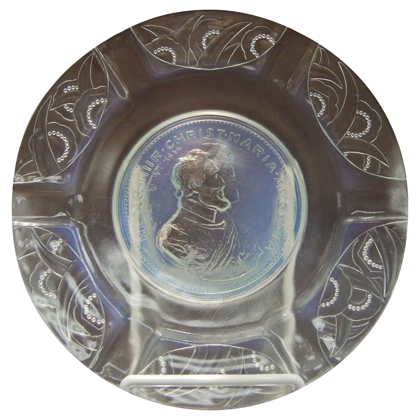 Sabino France Mold Blown Opalescent Glass Plate Henri IV of France