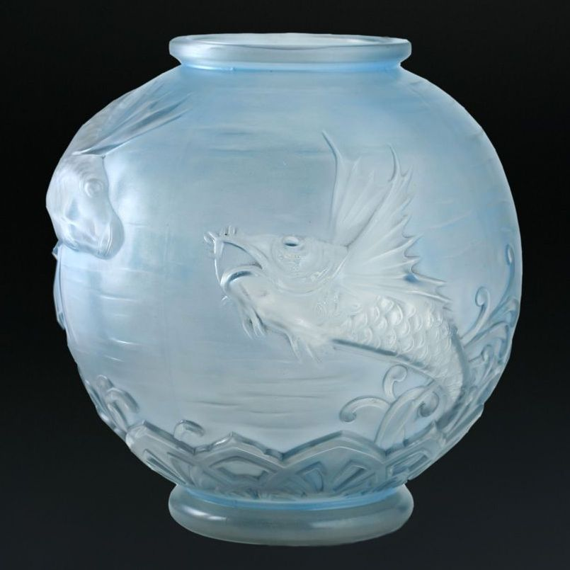 Late 1920s Early 1930s Large Pierre D'Avesn Lorrain (Paul Daum) Relief Moulded Molded Glass Fish Vase With Blue Patina