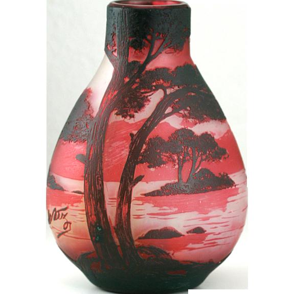 c.1910 De Vez Cristallerie De Pantin Double Overlay Cameo Cut Vista Vase