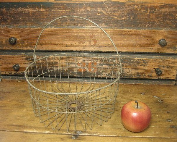 Wonderful Early Old Primitive Wire Egg Basket w. Bail Handle