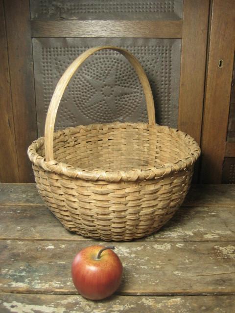 Grandma's Favorite Old Farmhouse Oak Splint Round Gathering Basket