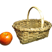 Granny's Charming Small Splint Farmhouse Gathering Basket