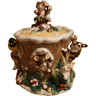 """Rare Charming Tails Mice """"Holly Day Dreams"""" Cookie Jar"""