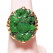 Antique Art Nouveau Chinese 14K Yellow Gold Carved Rich Emerald Apple Green Jadeite Jade Ring Depicting Floral Scene