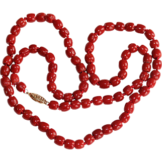 Vintage 14K Gold Oxblood Coral Beaded Necklace