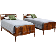 Pair of Vintage Traditional Mahogany Twin or Single Beds by Northern, Sheboygan