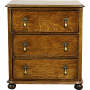 English 1900 Antique Tudor Oak Hall Chest, Dresser or Nightstand