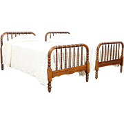 Pair Antique 1900 Twin or Single Maple Spool Beds