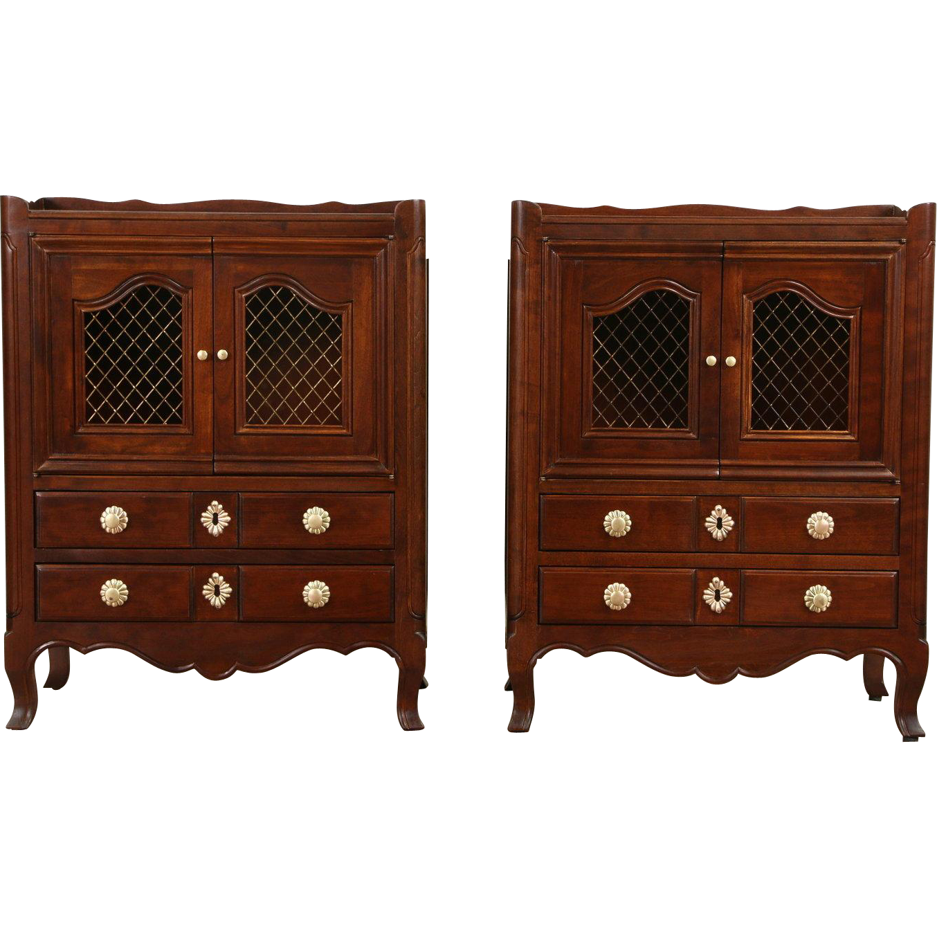Pair of Tradtional Vintage Cherry Nightstands or End Tables, Signed Widdicomb