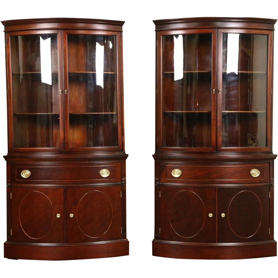 Georgian Pair of 1950 Vintage Mahogany Curved Glass Corner Cabinets