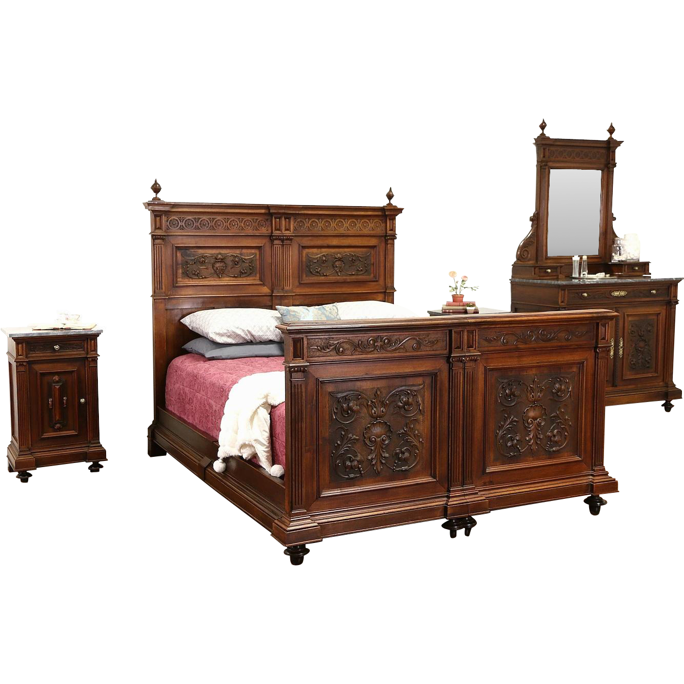 Italian 1900 Antique Renaissance Carved Walnut 4 Pc. Queen Size Bedroom Set