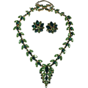 Fabulous Perdiot & Bright Green Layered Rhinestone Necklace & Earrings
