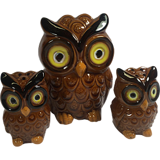 Vintage Figural Owl Napkin & Salt & Pepper Shakers